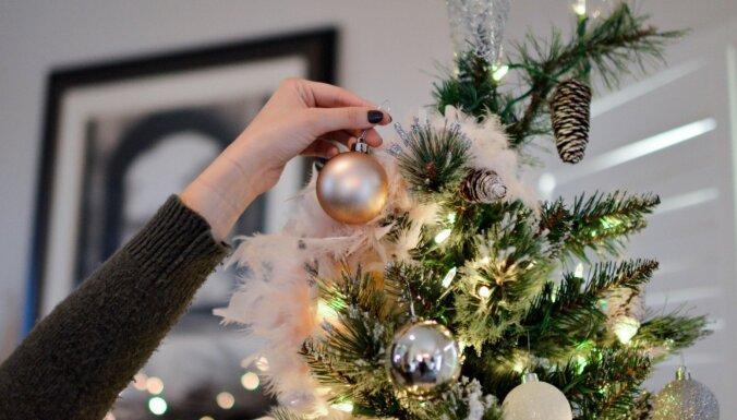 Dizainere nosauc trīs galvenās vietas mājoklī, kur izvietot Ziemassvētku dekorācijas