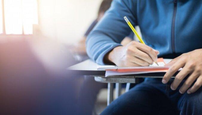 Vidusskolnieka Mārča pieredze: mācības, profesionālais bokss un mērķis studēt