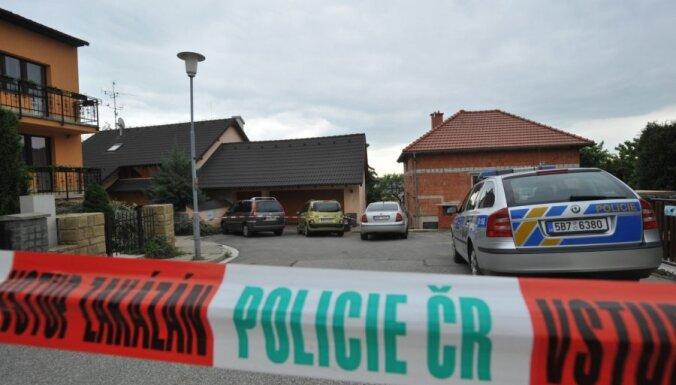 Ārvalstu organizētās noziedzības grupējumi mēģinājuši iefiltrēties Čehijas valsts institūcijās