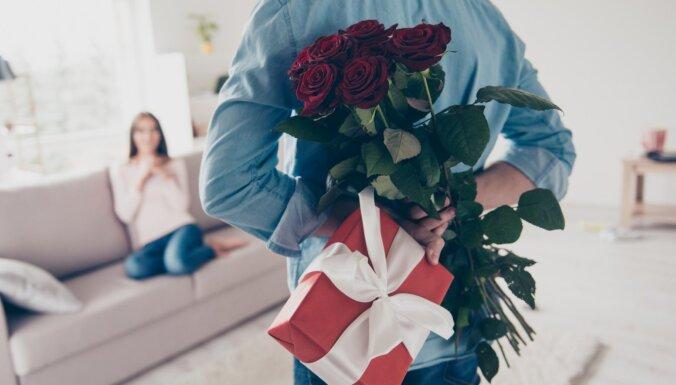 Чем лучше подарок, тем сильнее любовь? Как пережить 8 марта и не поссориться