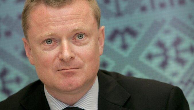 airBaltic взыщет с Флика 70 миллионов латов