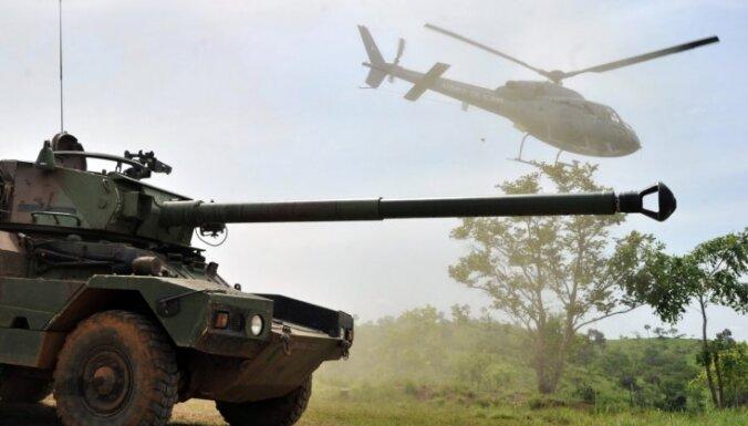 Francija atliek plānoto karavīru izvešanu no Mali