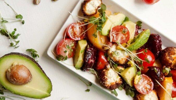 Dārzeņu salāti ar sniega bumbām