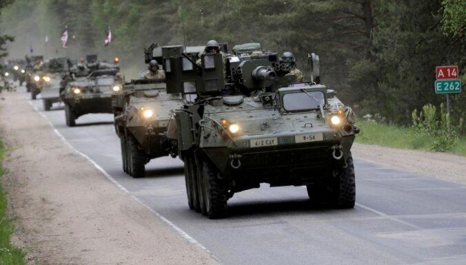 Вниманию водителей: в ближайшие дни на дорогах Латвии будет много военной техники НАТО