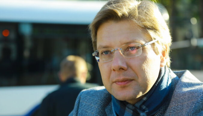 Нил Ушаков. Несколько фактов о фотографиях и провокациях