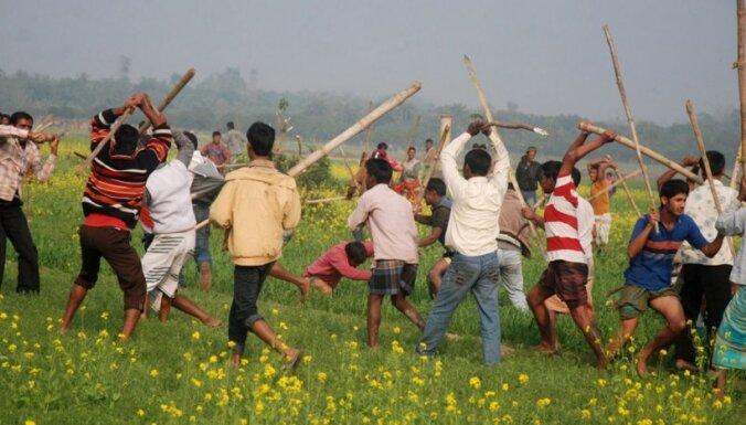 Bangladešā nodedzināti vairāk nekā 200 vēlēšanu iecirkņi