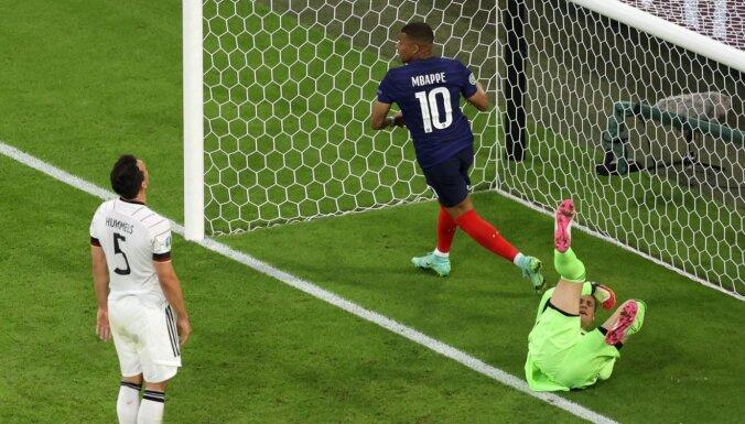 Чемпионы мира французы победили сборную Германии за счет автогола