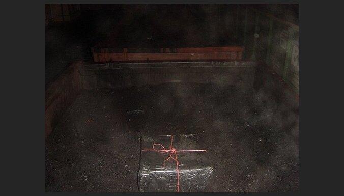 Ogļu kravā atrod kontrabandas cigaretes