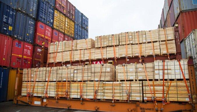 В этом году Рижский порт больше всего перевалил древесины и лесопродукции