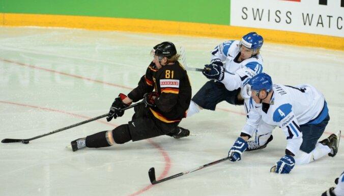 Somijas hokejisti brīnumaini izglābjas no zaudējuma mačā pret Vāciju