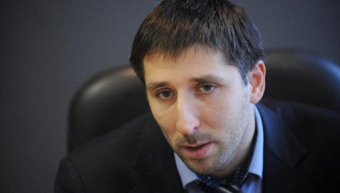 Zinātnes fonda prezidents rosina rīkot referendumu par praida norisi; dalībniekus dēvē par slimiem