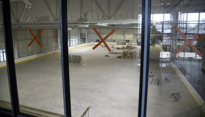 PČ hokejā: joprojām neizdodas nodot ekspluatācijā 'Daugavas' stadiona ledus treniņu halli