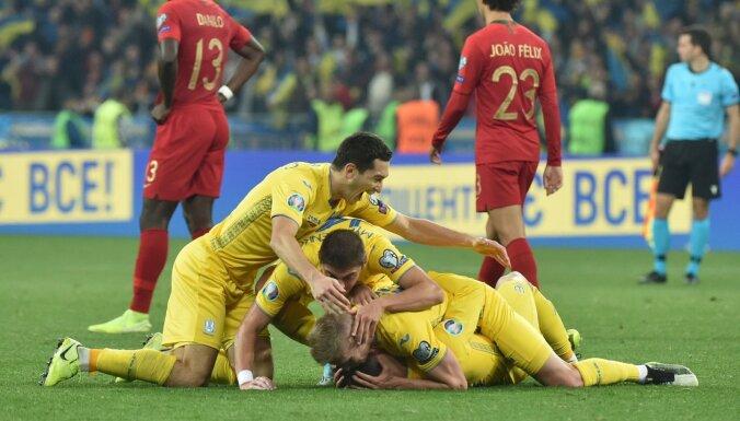 Украина первой победой за 9 лет прервала рекордную серию из шести поражений