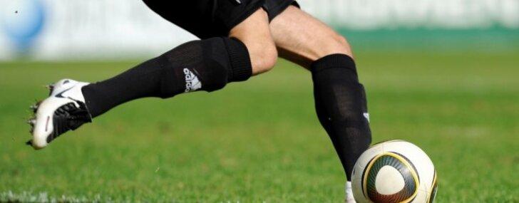 Izšķērdīgajā Ķīnas futbola čempionātā ierobežos leģionāru limitu