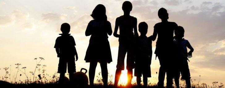 Kā notiks ģimenes valsts pabalsta izmaksa par ceturto un nākamajiem bērniem