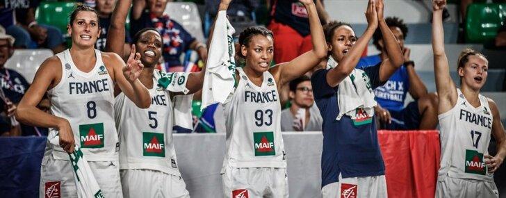 Austrālijas, Francijas un Turcijas basketbolistes gūst pārliecinošas uzvaras PK spēlēs