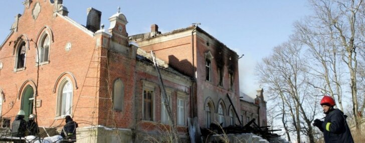 10 gadi kopš Reģu ugunsgrēka: nelegāla būvniecība un 26 bezpalīdzīgu cilvēku nāve