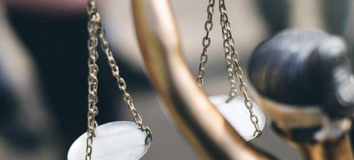 Mātes un meitas nāve Čaka ielā: Pārsūdzēts spriedums par naudas piedziņu no apdrošinātāja