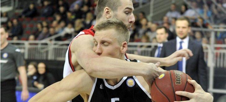 Foto: 'VEF Rīga' izlaiž 25 punktu pārsvaru VTB Vienotās līgas spēlē