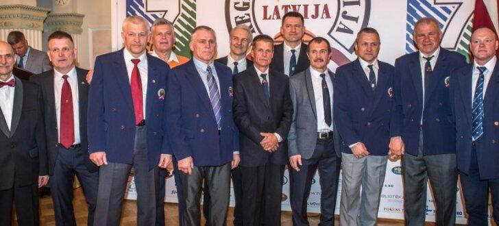 Foto: 25 gadi kopš Latvijas sporta vēsturiskā notikuma - dalības Pasaules kausā regbijā 7