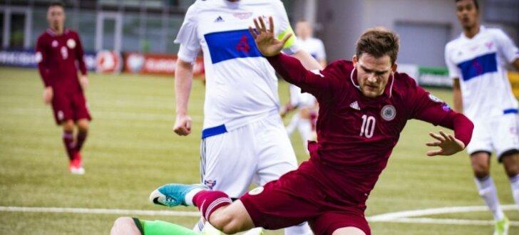 Foto: Spilgtākie mirkļi no Latvijas futbola izlases spēles pret Fēru salām