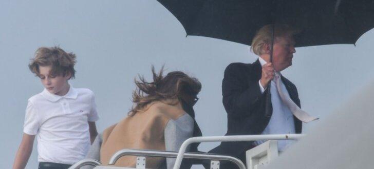 ФОТО: Экспертов неприятно удивил недостойный поступок Дональда Трампа