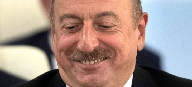 Azerbaidžānā tauta prezidentam piešķir lielākas pilnvaras, liecina aptauja