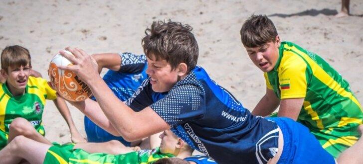 Foto: Regbija jaunās maiņas cīņas Jūrmala smiltīs