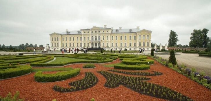 Britu laikraksts Rundāles pili raksturojis kā 'safrāndzeltenu Versaļu'