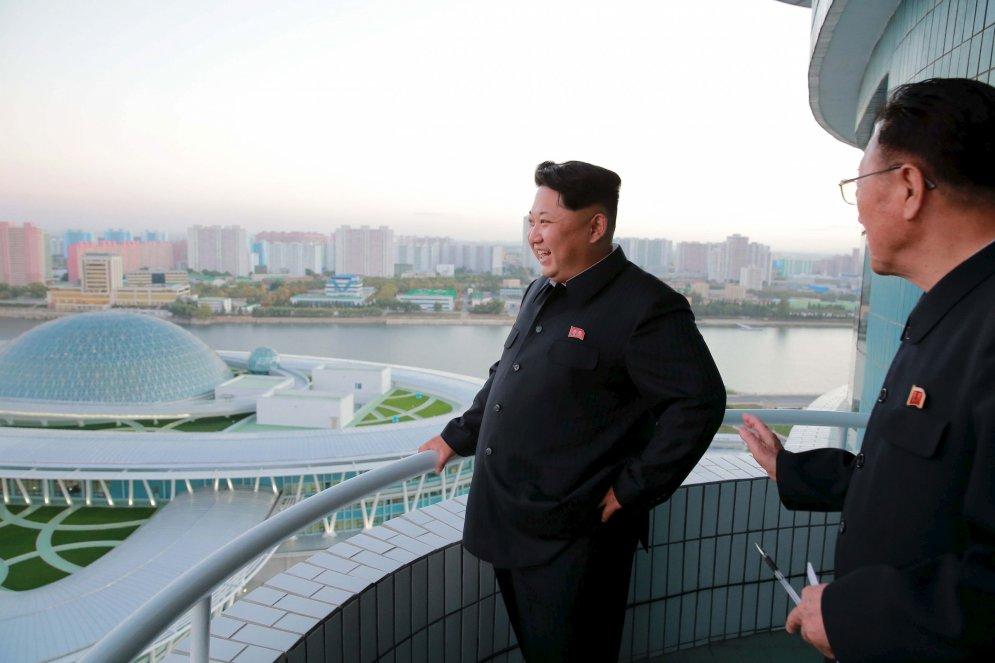 Жизнь и приключения в 2015 году Высшего Руководителя и Маршала Ким Чен Ына