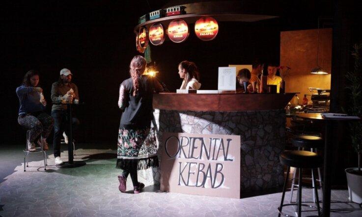 'Kim?' atklāj divas Latvijas simtgades programmas izstādes