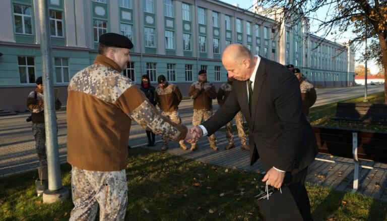 Опрос: латвийцы считают, что лучше всего в правительстве работает Бергманис