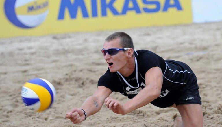 Латвийский пляжник добавил к Кубку России чемпионский титул