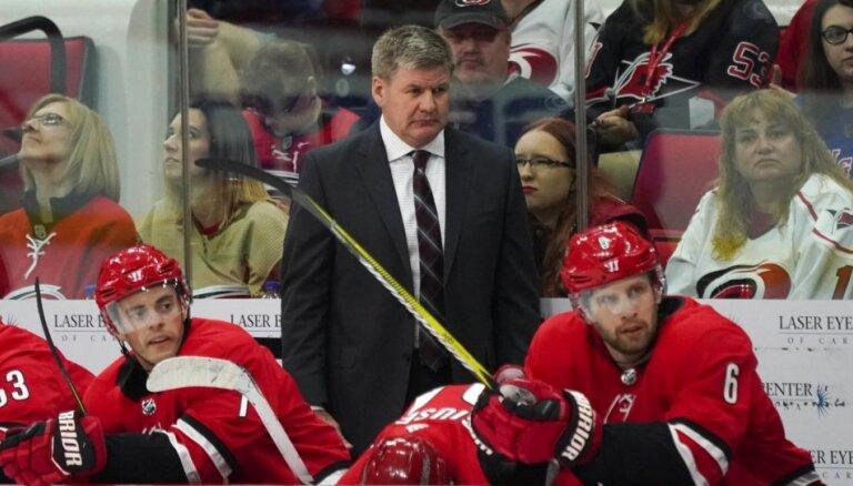 Latvijas hokejistu pretinieci Kanādu pasaules čempionātā varētu vadīt 'Hurricanes' treneris Pīterss