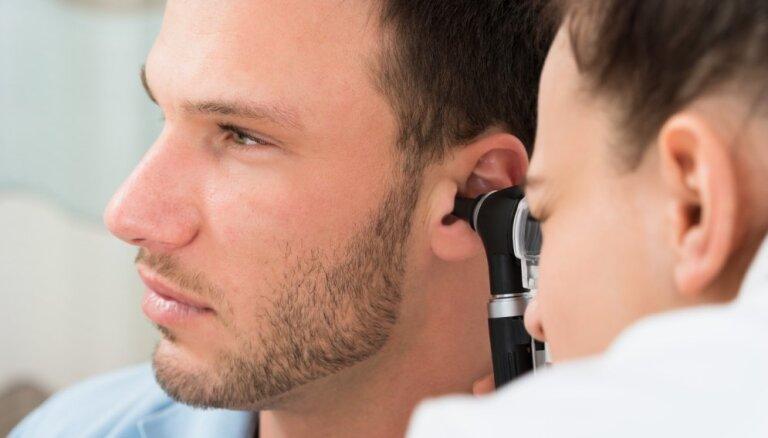 Ar ausu sāpēm nav nekādi joki. Kā atpazīt vidusauss iekaisumu?