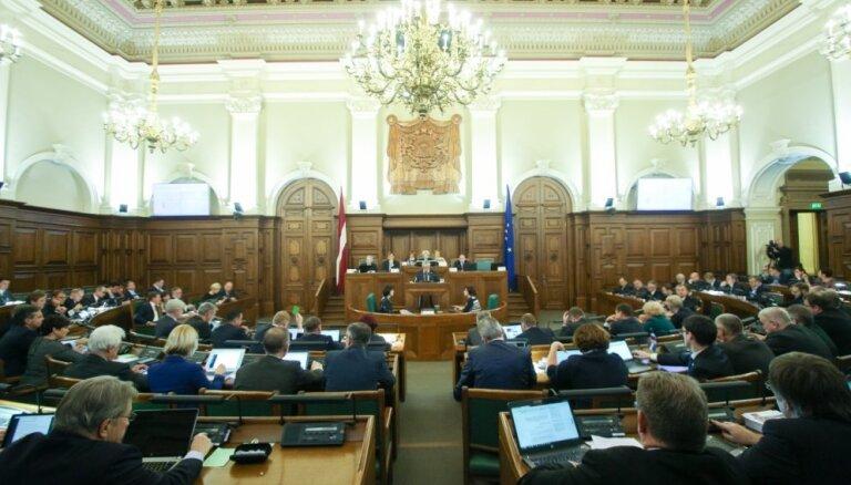 Koalīcijas politiķi atbalsta grozījumus par banku likvidatoru atlīdzības ierobežošanu