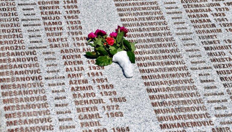 Melnkalnē par Srebrenicas genocīda apšaubīšanu nomet tieslietu ministru