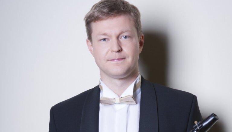 Liepājas Starptautisko zvaigžņu festivālu vainagos kora 'Latvija' un Liepājas Simfoniskā orķestra lielkoncerts
