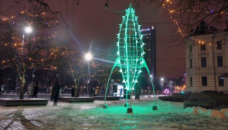"""ФОТО. В Риге проходит фестиваль """"Путь рождественских елок"""""""