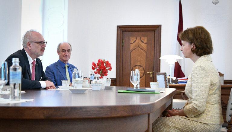 Valsts prezidents: izejot no ekonomiskās krīzes, uzsvars jāliek uz eksportspējas sekmēšanu