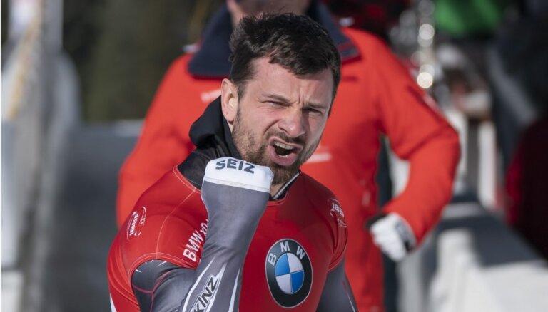 Скелетонист Мартин Дукурс разделил первое место с Третьяковым на этапе Кубка мира в Австрии
