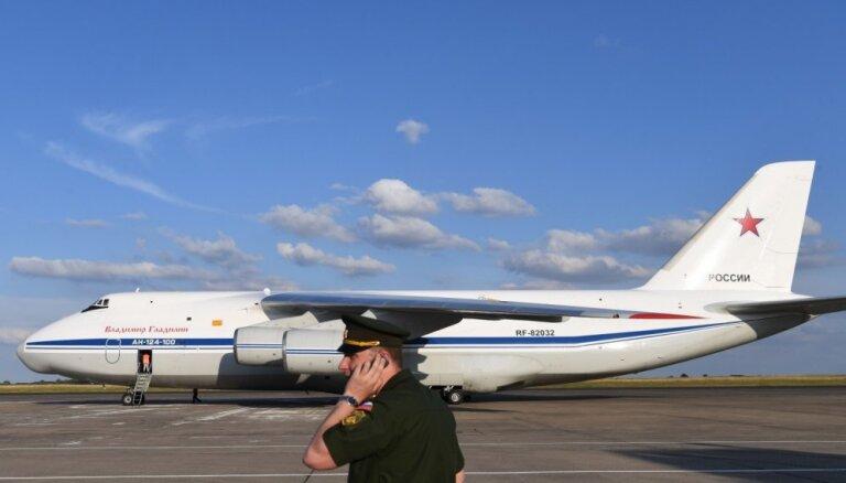 Venecuēlā nolaidušās divas Krievijas Aizsardzības ministrijas lidmašīnas, ziņo mediji
