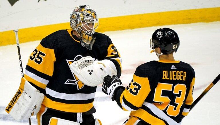 Bļugeram lielākais spēles laiks sezonā; 'Penguins' pieveic 'Flyers'