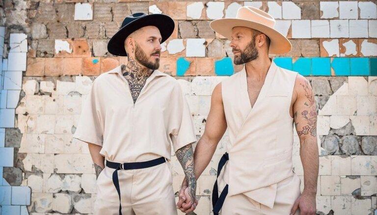 Uzņēmējs Kašers pošas kāzām ar mīļoto vīrieti