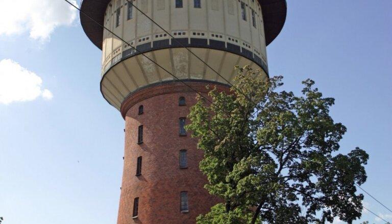 Красивая, но ненужная и опасная: Rīgas ūdens решил подарить Рижской думе водонапорную башню