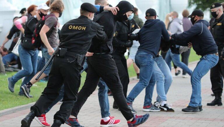 Беларусь: задержания также проходят в Бресте, Витебске и Могилеве