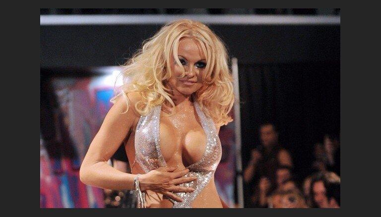 ФОТО: Памела Андерсон рассказала, как Playboy спас ее жизнь