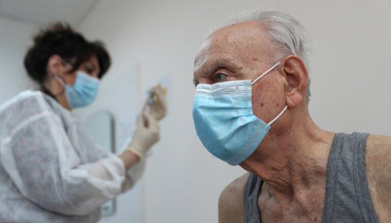 Правительство выделяет 146 тыс. евро на рассылку писем пожилым людям о вакцинации