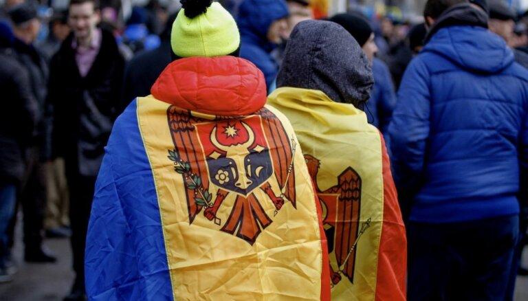 Moldovā tūkstošiem cilvēku protestē pret premjera kandidātu un prasa ārkārtas vēlēšanas
