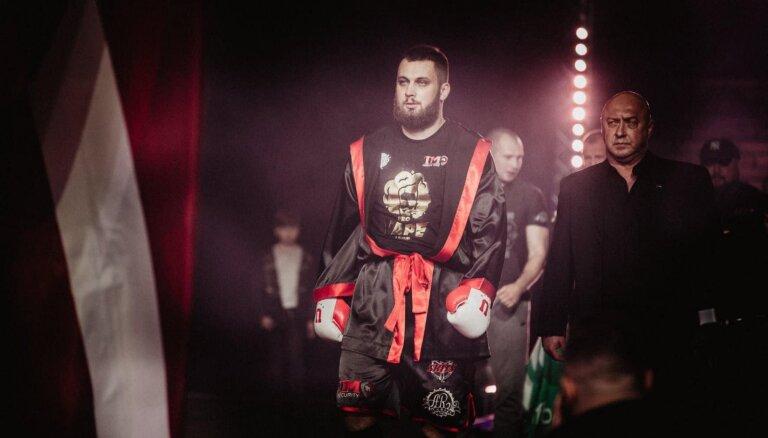 Latvijas bokseris Zutis cīnīsies ar bijušo WBO čempionu Deniju Viljamsu